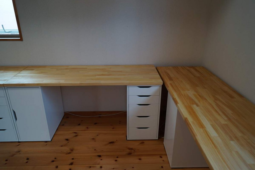 DIYで子供の机5