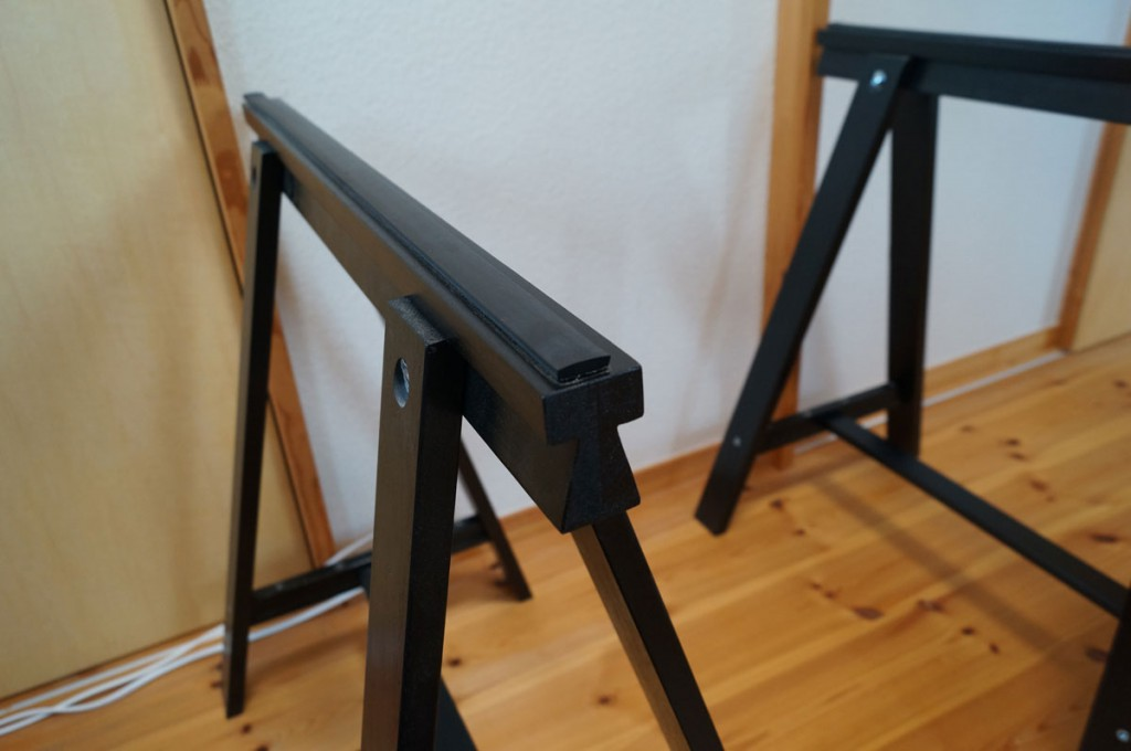 DIYで簡単、のせるだけの机2