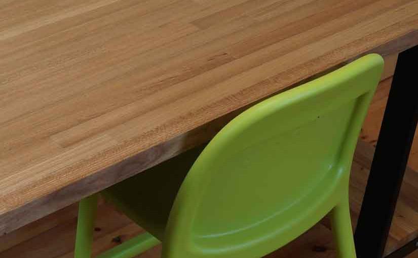 DIYで簡単、のせるだけの机9