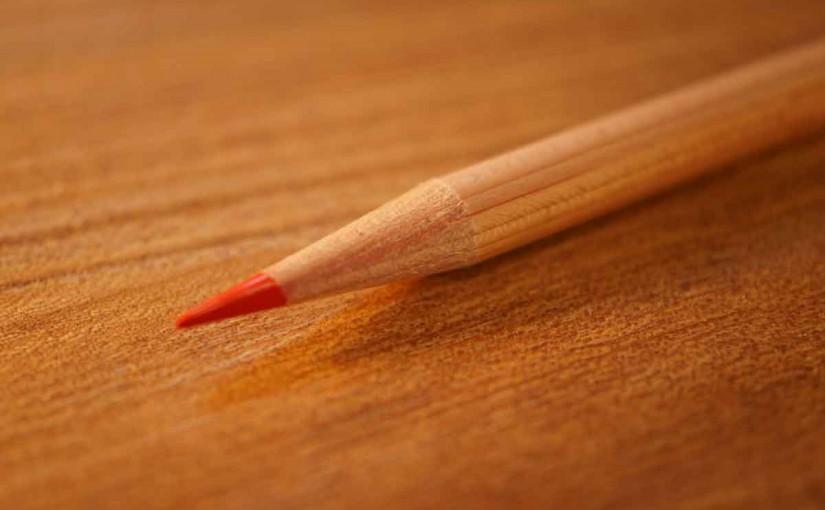 自然の木のぬくもりの赤鉛筆!!