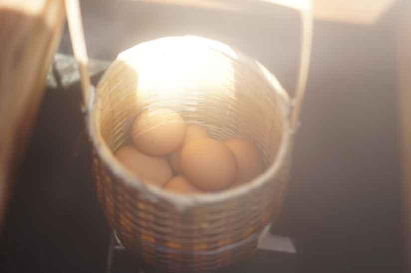 野沢温泉で温泉卵3