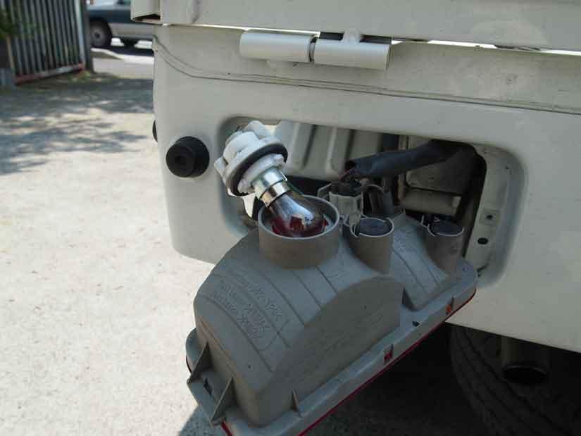 ブレーキランプを交換5