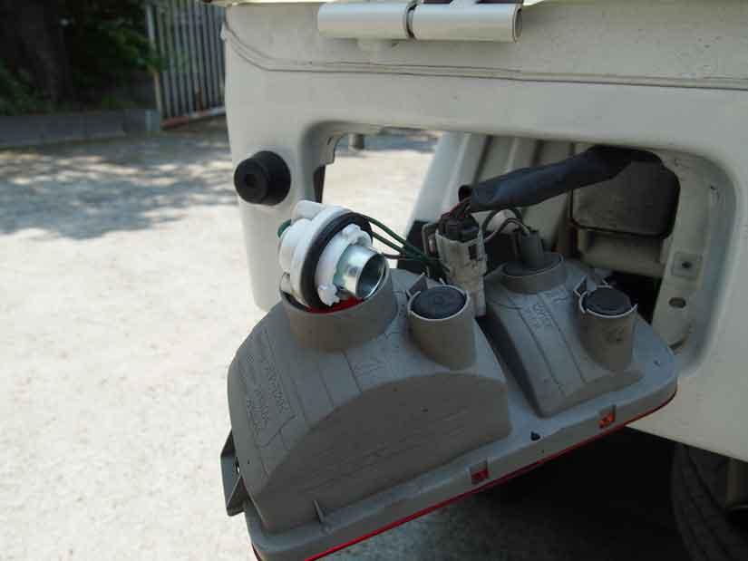 ブレーキランプを交換6